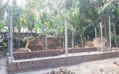 পাইকগাছায় প্রতিপক্ষের বিরুদ্ধে সেনা সদস্যের সম্পত্তিতে জোরপূর্বক ঘর নির্মাণের চেষ্টা
